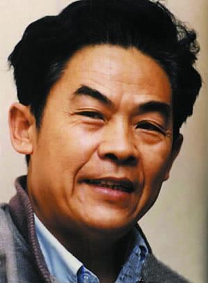 """对话中国设计界泰斗,agi首位华人会员余秉楠—— 谈画册设计的""""过度包图片"""